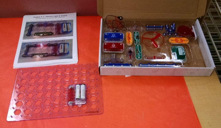 snap-circuits-in-classroom